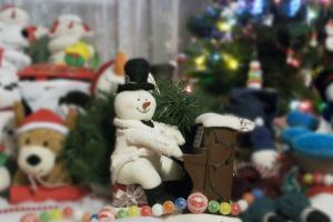 Holiday Snowmen Artwork Gallery